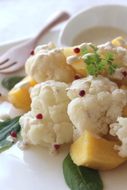 カリフラワーとポテトのアンチョビクリームサラダ。 #recipes