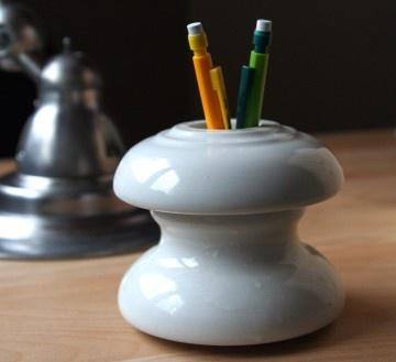 Porcelain electrical insulator