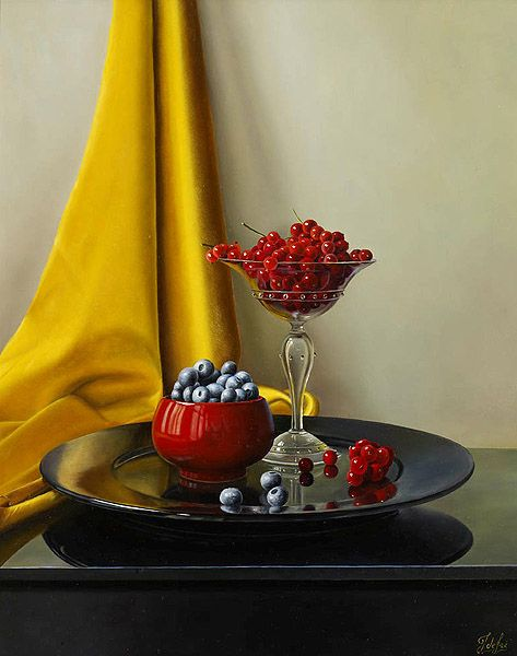 Johan de Fre (b.1952 ) — Redcurrants and Blueberries with Yellow Cloth (473×600)