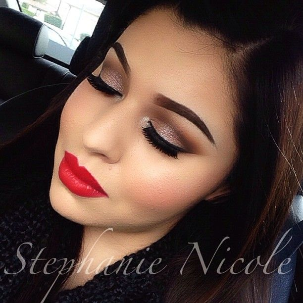Soft Neutral smokey eye with matte red lips ❤❤❤ love her brows
