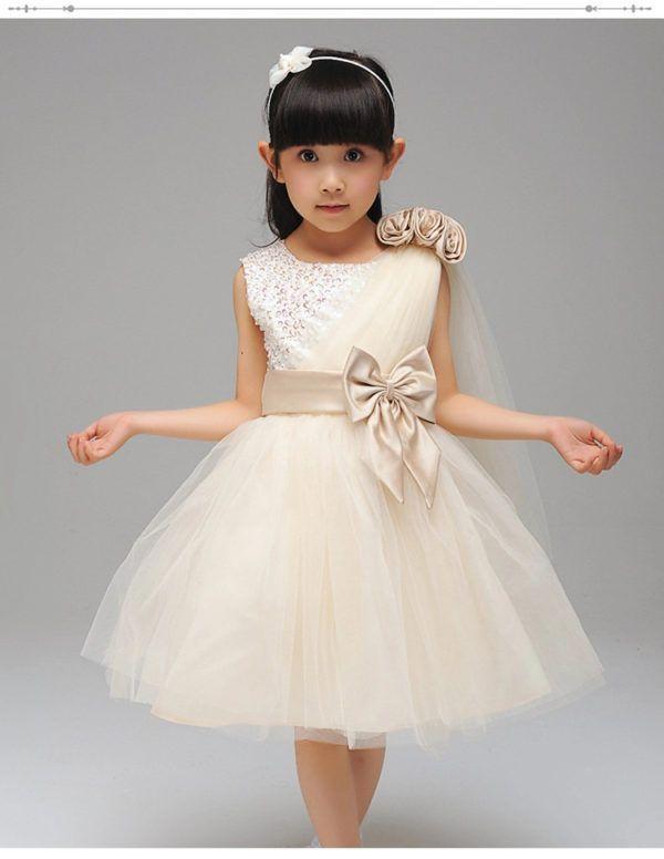 Más de 20 fotos de vestidos de fiesta para niña, Primavera-Verano: Tul asimétrico