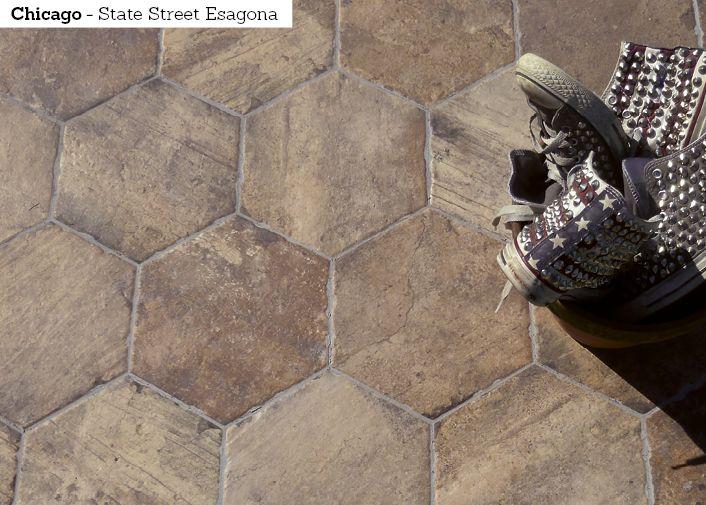 Kuusikulmainen laatta on nyt in. Chicago sarjan laatoilla luot vaihtelevan ja rustiikkisen pinnan.