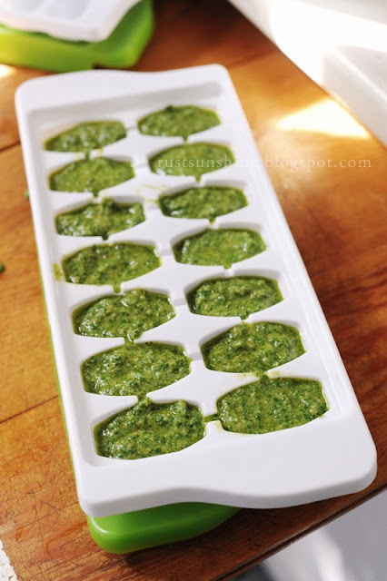 How to freeze pesto without it turning brown