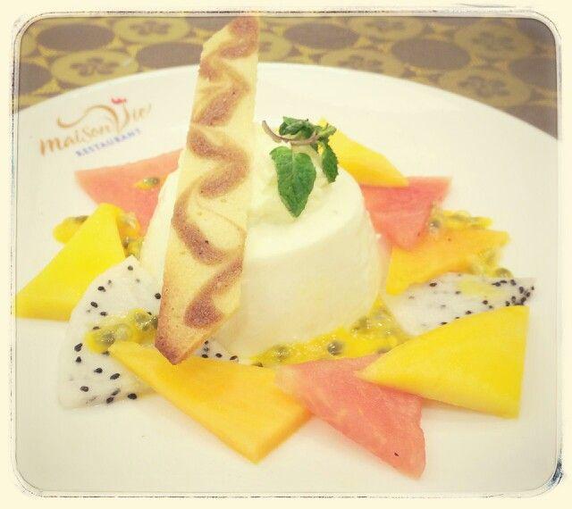 Fresh Fruit Pana Cotta by #MaisonViehanoi Restaurant ♡♥♡♥