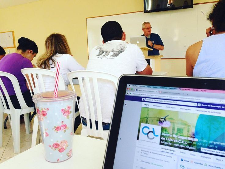 EPV 2016  Hoje a aula começou com a explicação sobre a história da Igreja.  #epv #epv2016 #escolapalavraviva #jocum #jocumccl #missoes #igreja #ywam #uofn by jocum_c.c.l http://bit.ly/dtskyiv #ywamkyiv #ywam #mission #missiontrip #outreach