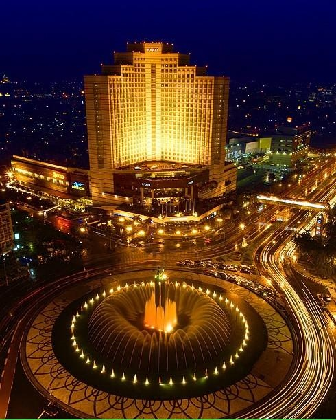 The Hotel of Indonesia circular quay. Central Jakarta, Indonesia:) Taken from Mandarin Oriental. Brings back memories of sitting in my apartment looking out at the same view.