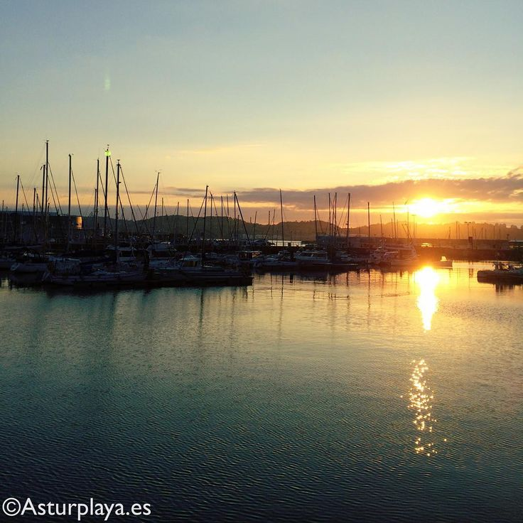 Summer sunset in Gijón, #Spain. I wish I could attach to this image the breeze and the silence of the evening too....
