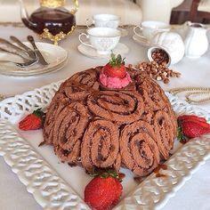 Kubbe pasta son ayların en güzel popüler pastasıdır.Bu tarifimde Dankek Çikolatalı Rulo