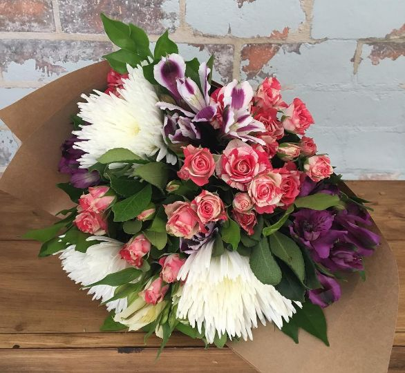 The Posy Co Sunshine Coast Flowers provides florist and flower delivery service in Maroochydore, Mooloolaba, Caloundra at just $30 with delivery around Sunshine Coast.
