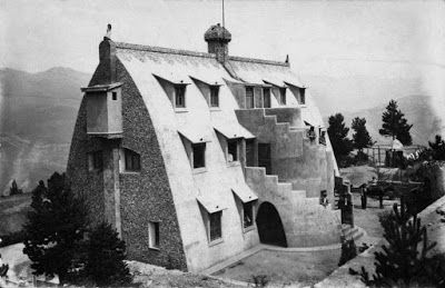 Chalet del Catllaràs de Antoni Gaudí.