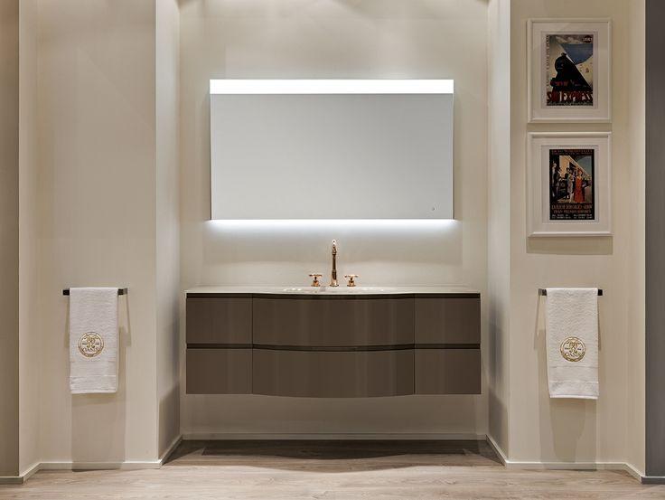 Esprit Collection at the Salone Internazionale del Bagno booth, designed by Massimiliano Raggi.