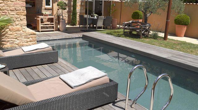 Petite piscine 11 photos de piscines de moins de 30m2 for Piscine sur petit terrain