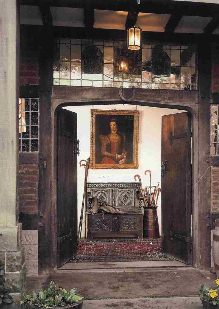 English Tudor Interior Design Ideas: 17 Best Ideas About Tudor Homes On Pinterest
