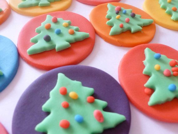 Edible Cake Decorations Xmas : Edible Cake Decoration Multi Coloured Christmas Trees Cupcake Toppers 12 Assorted Edible cake ...