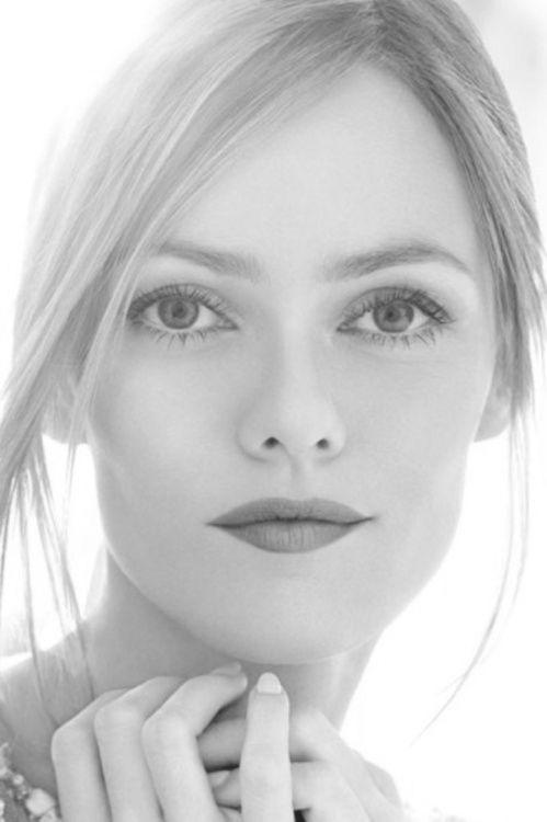 Vanessa Paradis (Valentina Casanova)