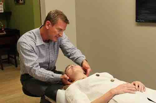 "Cool Springs Chiropractor Dr. Jason Crist provides chiropractic services and specializes in injuries from auto accidents, sciatica treatment and headache relief. Awarded ""Chiropractor of the Year"", he also helps patients from lower back and neck pain. http://www.cristchiropractic.com/"