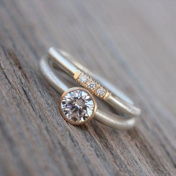 Vintage Inspired Wedding Band Diamond Gold by NangijalaJewelry