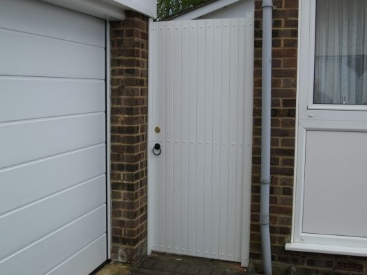 Fensys UPVC white plastic high specification single side gate.
