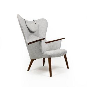 Hans J. Wegner AP 28, 'Mama bear' chair.