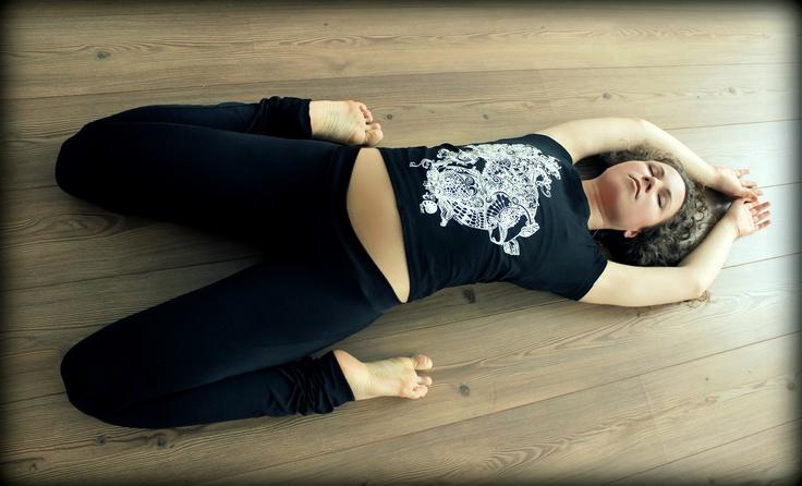 Здоровый образ жизни и любовь к окружающему миру.  #yoga #art #print #design #fish #ink  Новая Коллекция принтов от Julia Grad «ANIMAL LOVE» ( inspired by vegetarian life)  http://juliagrad.tumblr.com/  http://instagram.com/julia_grad