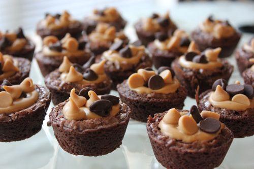 Mini Peanut Butter Brownies: Desserts Recipes, Brownies Recipes, Chocolates Chips, Chocolates Peanut Butter, Brownies Bites, Minis Peanut, Cups Brownies, Minis Desserts, Peanut Butter Brownies