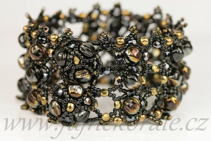 Melon beads bracelet. Valentinit and Bronze colour.