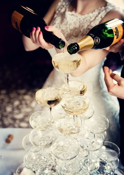 Celebrate your house move in style with a Champagne fountain! What a better way to celebrate after moving home! #House-warming #Party #Inspiration