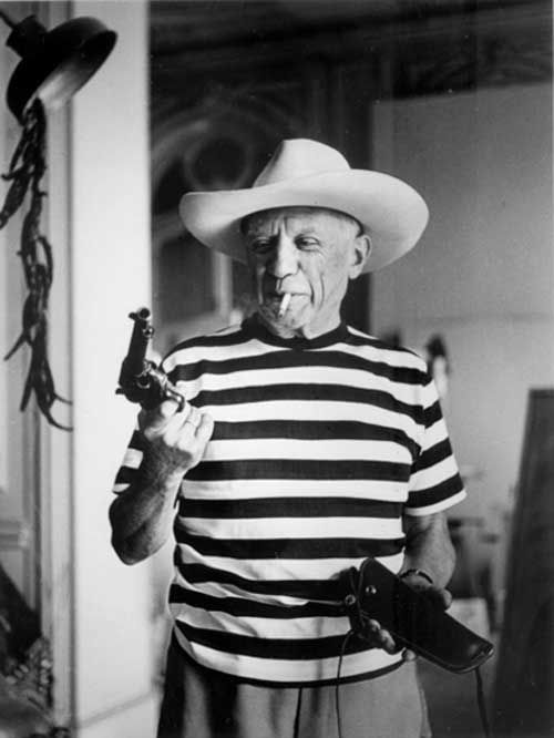 Picasso just hangin' with a gun: Artists, Cowboys Hats, Guns, Gary Cooper, Icons, People, Photography, Pablo Picasso, Pablopicasso