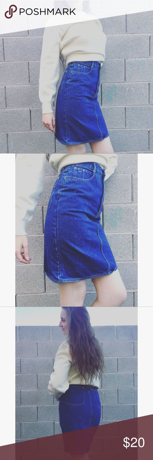 🆕 Vintage Coca Cola denim skirt Coca Cola leather on the back and a Coca Cola button. High-wasted skirt. Pockets in the back. Real Brand is Coca Cola. Vintage Skirts
