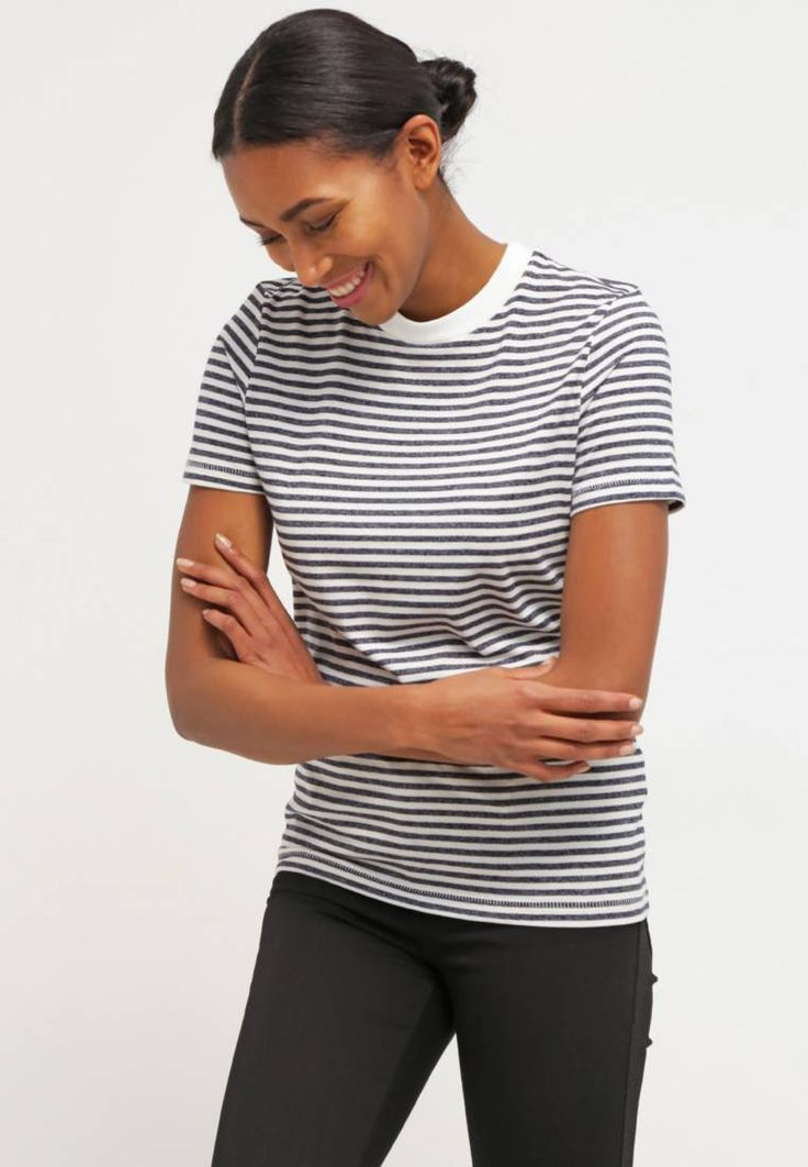 """Selected Femme. SFMY PERFECT - Print T-shirt - peacoat. Fit:regular. Outer fabric material:75% cotton, 25% polyester. Our model's height:Our model is 71.0 """" tall and is wearing size 10. Pattern:striped. Care instructions:A shrinkage of up to 5% may occu..."""