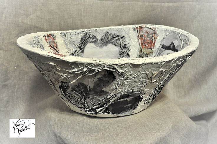 Art pot with wedding pictures