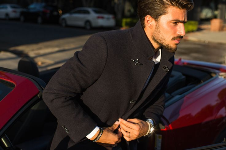 Italian influencer Mariano Di Vaio wearing Fay Double Coat. A versatile item suitable for the different moments of the day.