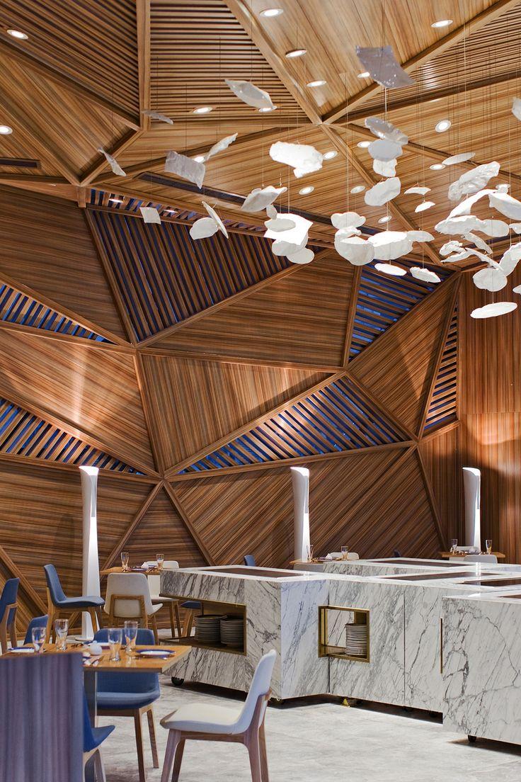 Un restaurant original | design d'intérieur, décoration, restaurant, luxe. Plus de nouveautés sur http://www.bocadolobo.com/en/inspiration-and-ideas/