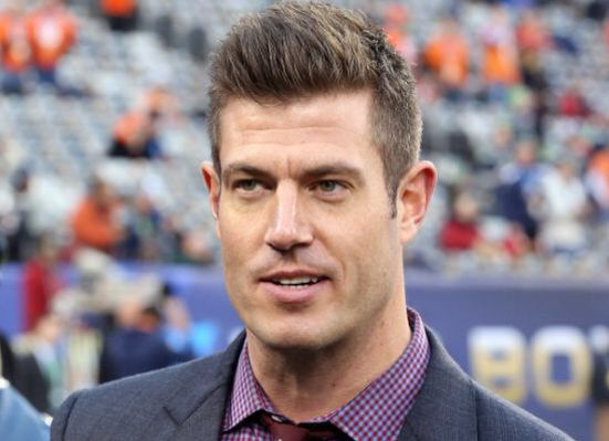 Jesse Palmer - worth tuning in for today's Oregon/Ohio game for. #TheBachelor