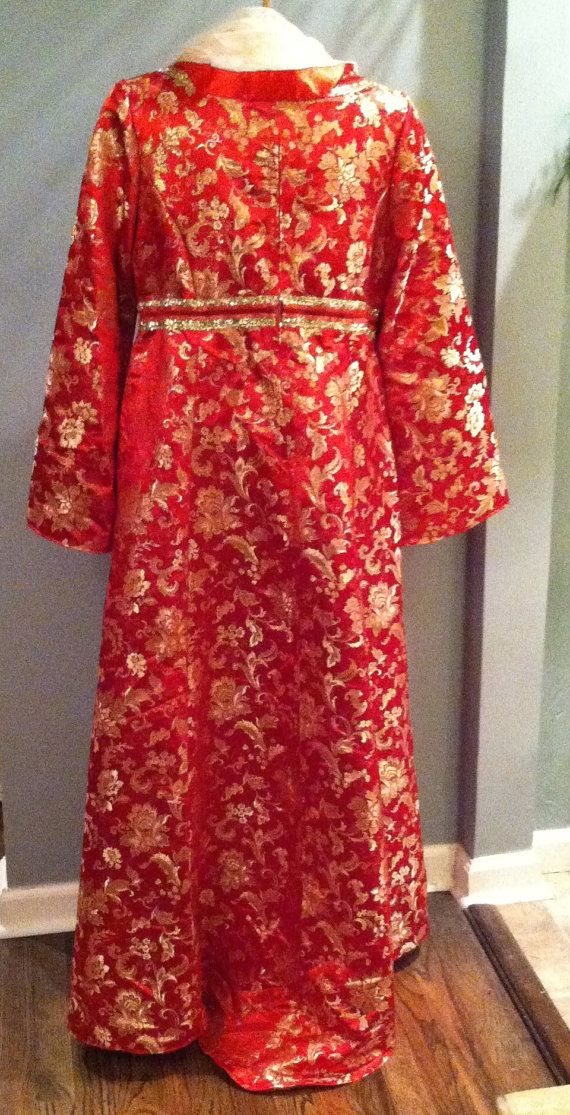 Woman's Traditional Chinese Patterned Garment. by VelveteenGarden