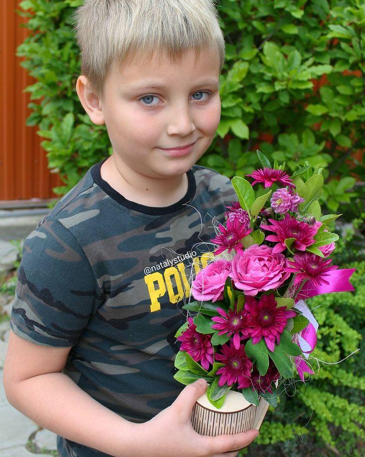 Ну не может этот принц ехать на ДР к Золушке без цветов! И правильно делает, ведь хорошие манеры-они же с детства! ��За ботиночек спасибо  чудесной @mahinova_sveta !!! ������ @natalystudio▪Усть-Лабинск,Пролетарская/62☏89184111805 �� #наталисорокина#устьлабинск#краснодар#россия#floralinspiration#followme#flowers#petals#nature#beautiful#love#pretty#plants#blossom…