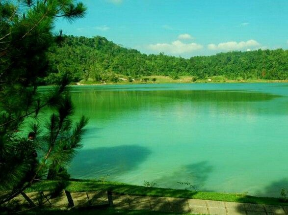 Linow Lake - Manado