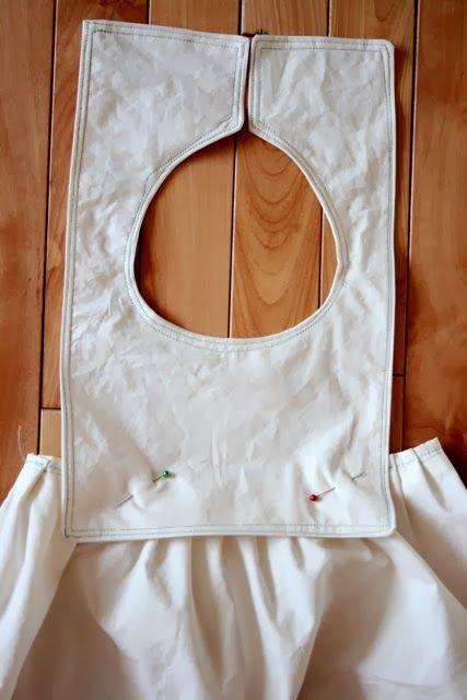 vestido de niña hecho con una funda de almohada                                                                                                                                                                                 Más