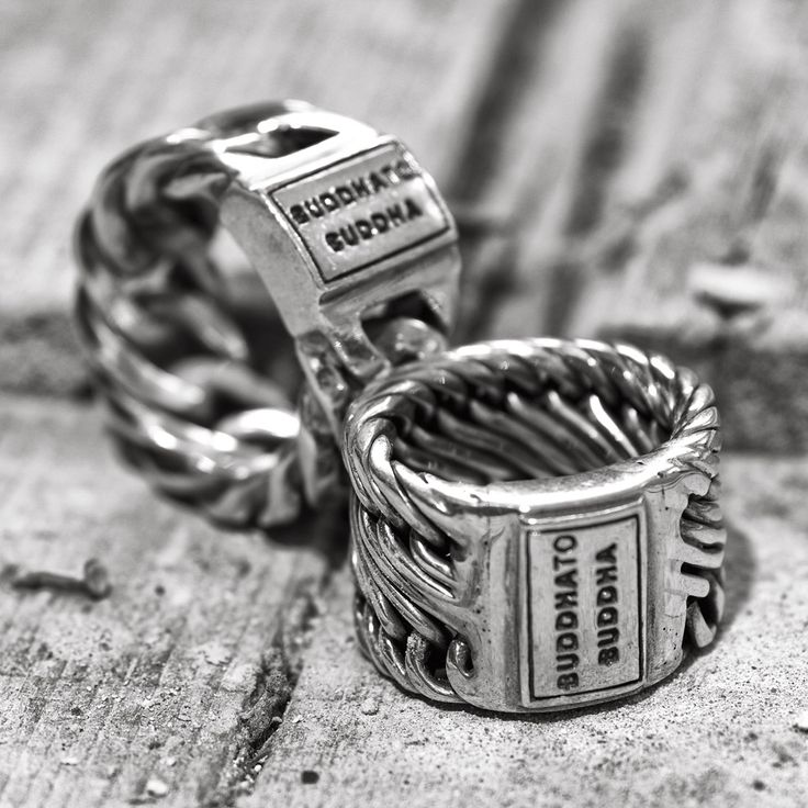 Edwin and Chain ring from Buddha to Buddha