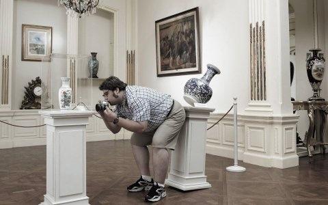 Wallpaper Divertido. Un torpe en el Museo.