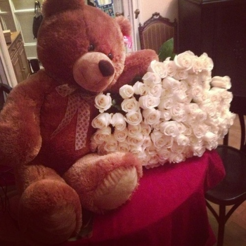 awwwwwwww, sooo cute(: <3: Sweet 16 Presents, White Rose, Boyfriends Girlfriends, Diy Crafts, Teddy Bears, Flower Dresses, Valentines Gifts, Valentines Day Gifts, Dreams Coming True