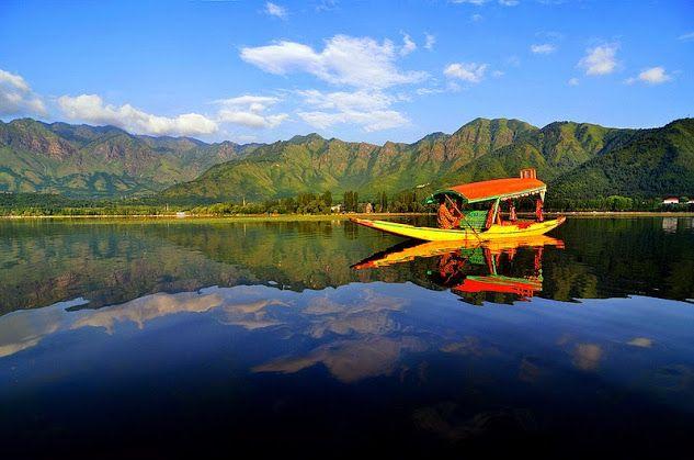 Dal lake in Kashimir. India