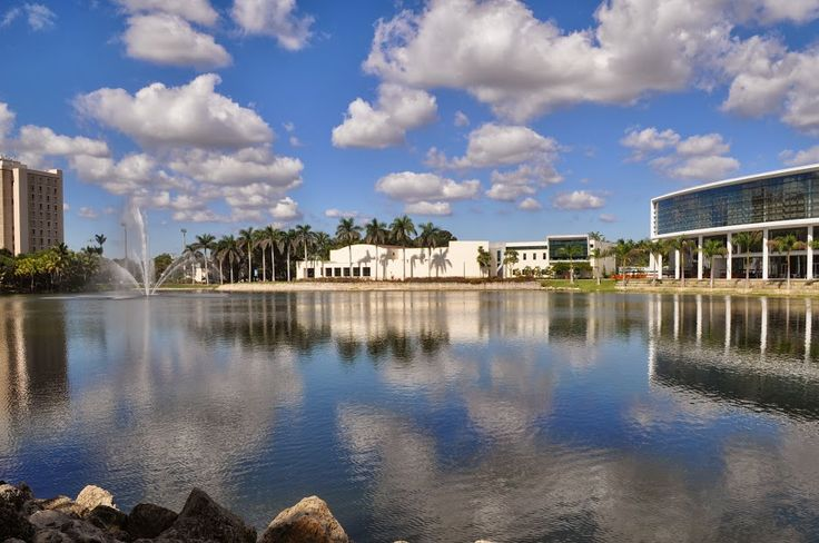"""Lake Osceola"" at the heart of the University of Miami campus (photo by Emily Shafer)"