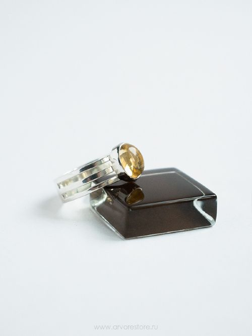 Silver ring with citrine. Тройное кольцо с цитрином