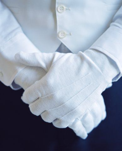 """""""Our concierge are not dressed to impress; they are dressed to serve"""" Alberta 's dixit. www.albertalagrup.com"""