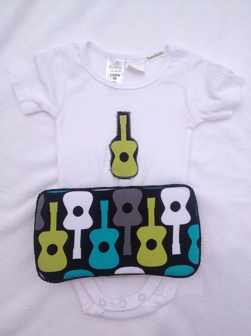 Guitar Gift Set- Onesie & Baby wipe case-Guitar gift set makes a great baby shower gift.  Includes onesie and baby wipe case