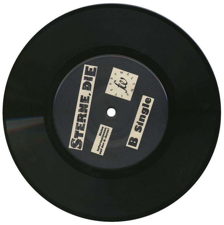 """Die Sterne, B Single, 1988, Fast Weltweit  Leerseite  """"1988 in einer Nacht wie dieser"""", """"Was verlangst Du""""  Frank Spilker, Mirko Breder  Design@ Frank Spilker, 1988"""