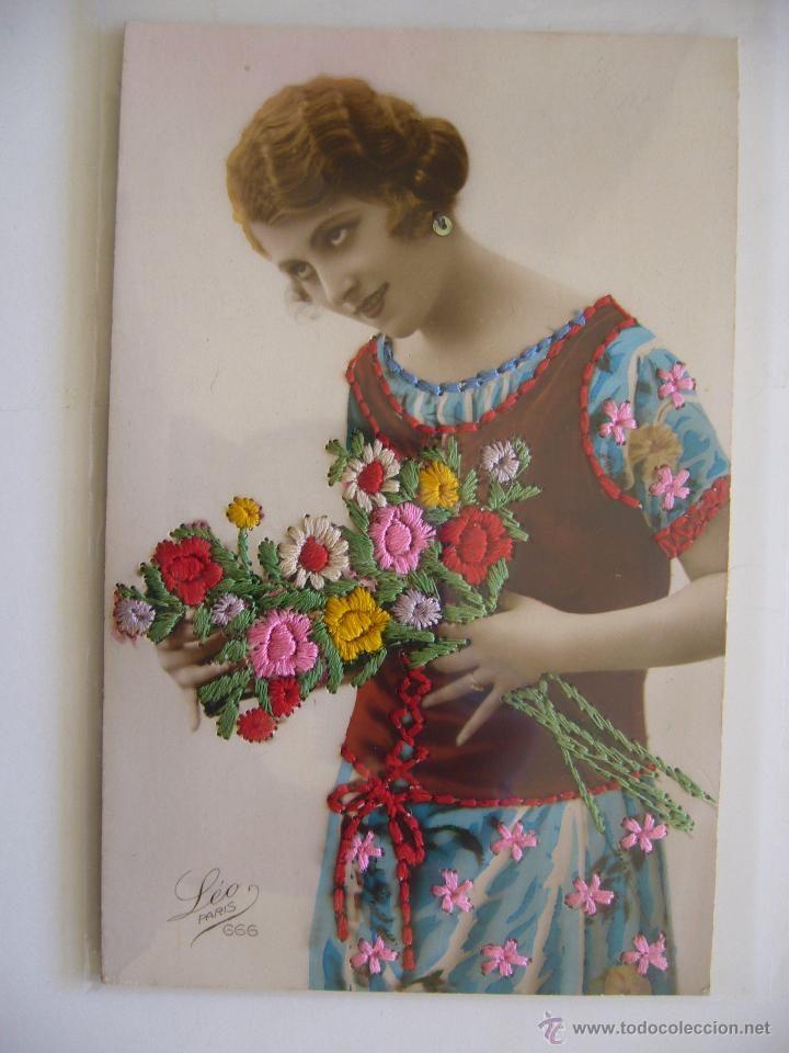 Postal RomA?ntica. Bordada. Mujer. LA�o Paris. Circulada 1926. (Postales - Especiales)