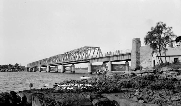 Tom Ugly's Bridge in southern Sydney in 1928.