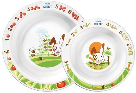 глубокая тарелка большая и глубокая тарелка малая  — 899р. ----- Набор из 2-х тарелок Philips AVENT идеально подходит для начала самостоятельного питания ребенка от 6 месяцев. Развивающее оформление, разработанное совместно диетологами и детскими психологами, сделает прием пищи веслым и увлекательным для малыша процессом. Ведь как интересно будет крохе доесть свой обед до конца, чтобы увидеть на дне тарелочки веселого сказочного кролика и его друзей! Кроме того, в игровой форме малыш начнет…